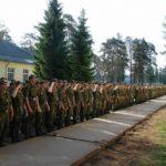Фото солдат в строю