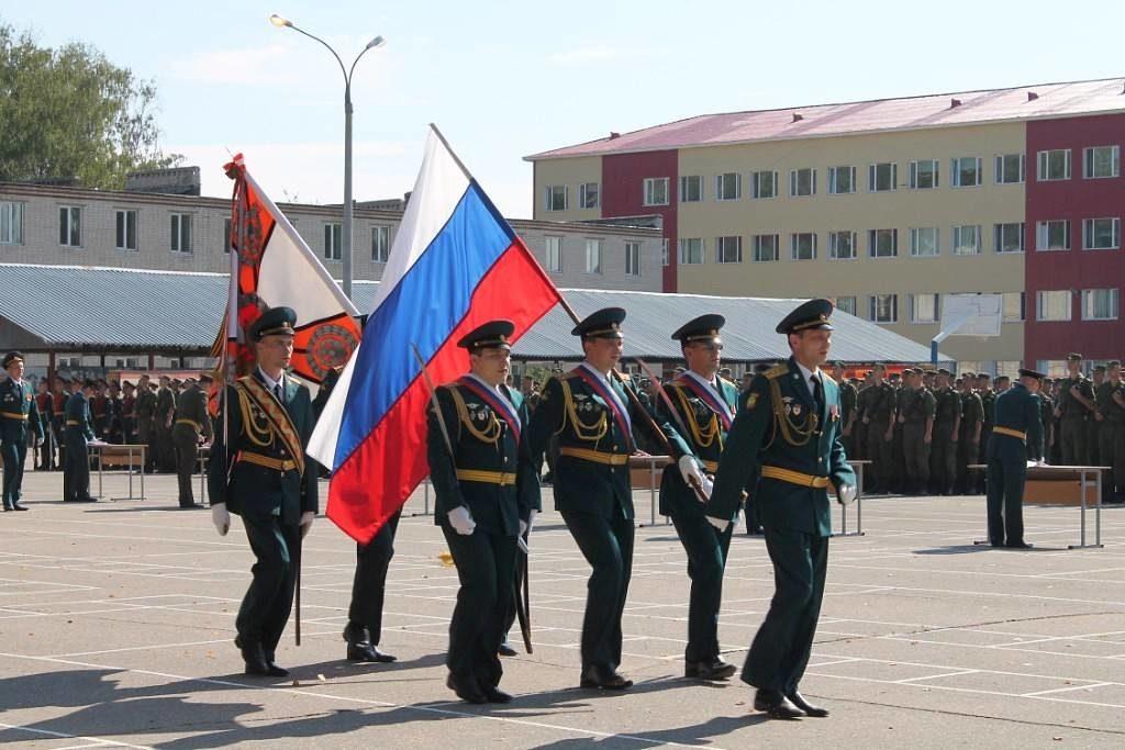 Солдаты маршируют